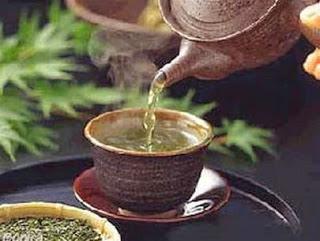 Chén trà nóng