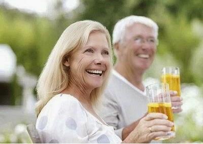 Tác dụng của chè đối với người già