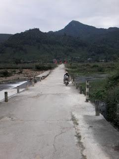 Chè Thái Nguyên Cô Cúc tại La Bằng